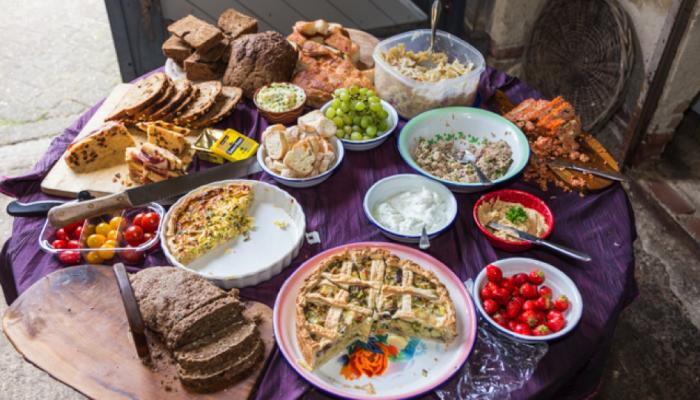Buurteettafel Overhoeks, iedere eerste dinsdag van de maand
